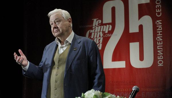 Врачи борются за жизнь Олега Табакова