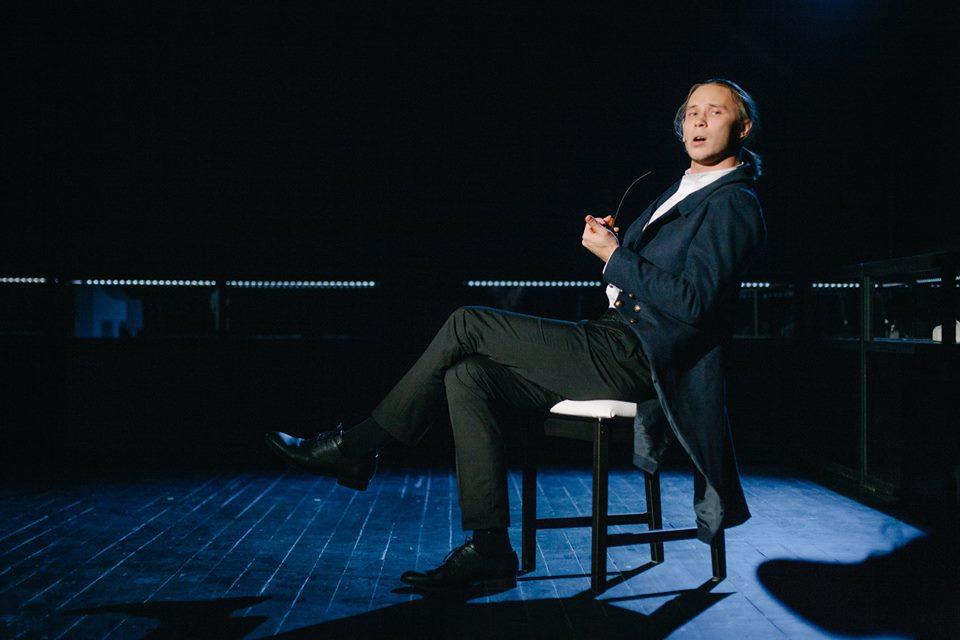 «Бетховен» в театре «Практика»: Youtube в музее